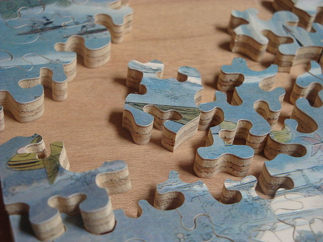 Photo of Hand Cut Jigsaw by Charles Hamm via Wikimedia Commons (CC BY 3.0)