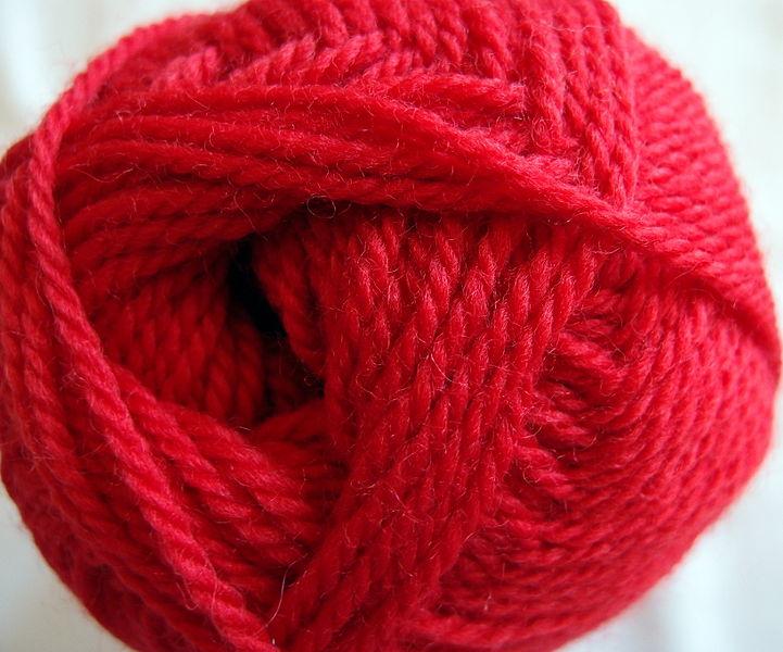 721px-Worsted_wool_yarn