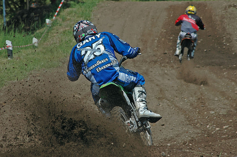 800px-Motocross-action