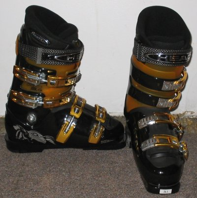 Ski_boots,_Head_brand